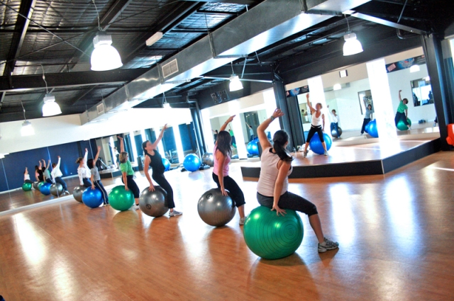 Fitball_Group_Fitness_Class