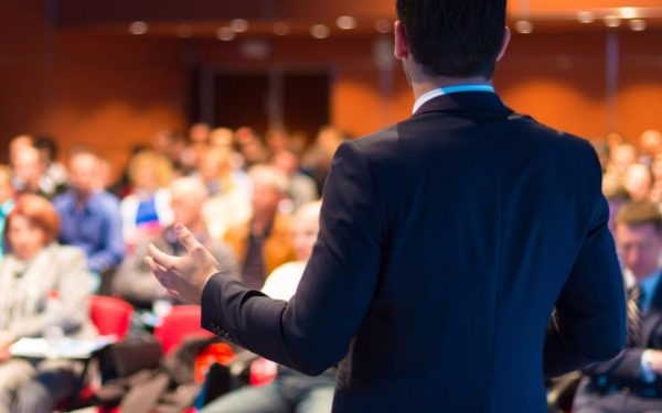 business-presentation-on-stage-1080x675